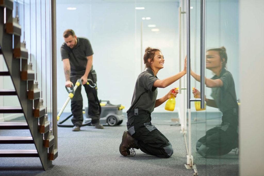 Como otimizar a limpeza da academia?