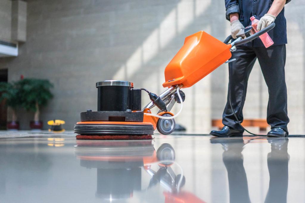 Por que o uso de EPI é fundamental para a equipe limpeza?