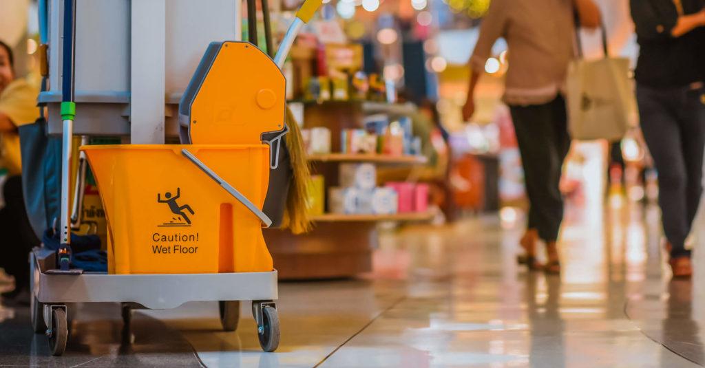Conheça 4 particularidades do processo de limpeza de supermercado!